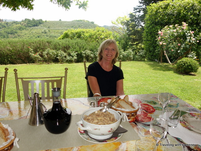 Enjoying the good life at Casa Egle on a hilltop in Montespertoli