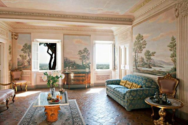 Gorgeous frescoes in living room of Villa Sant'Andrea