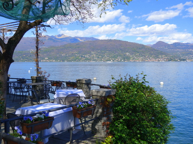 Terrace dining at Ristorante Verbano on Isola Pescatori
